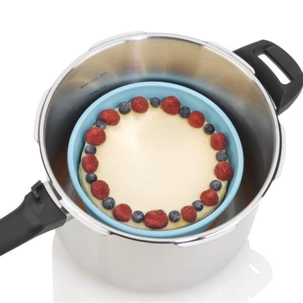 ZACMIDI22 Silicone Baking Dish inside pressure cooker