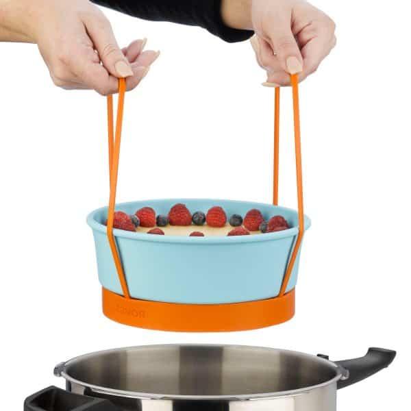 ZACMIDI22 Silicone Baking Dish on cooking rack