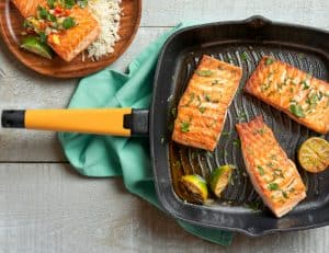 Grill Pan lifestyle - butternut handle