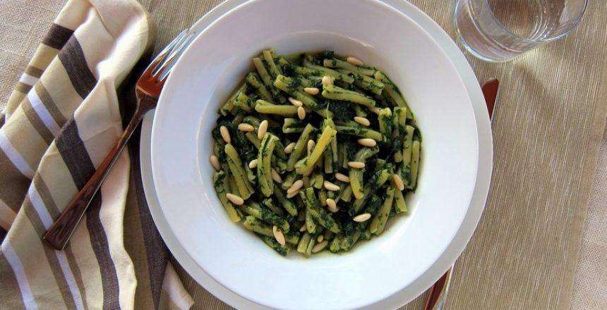 Spinach Pesto Pasta (Recipe)